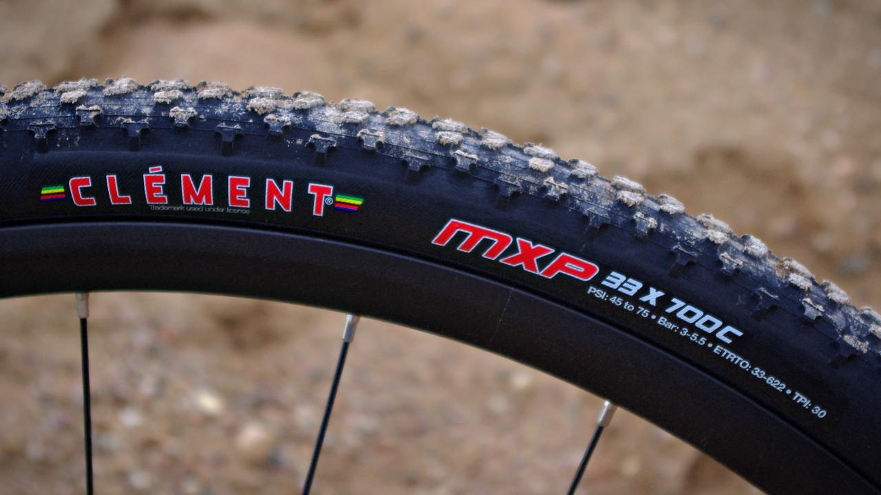 Cyclocross Reifen auf Carbonfelge