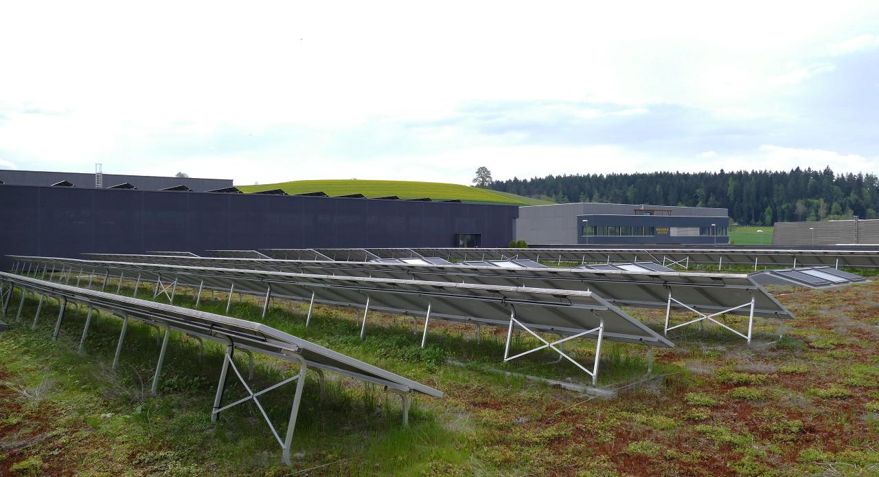 Photovoltaikanlage auf dem Flyer Werk in Hutwill