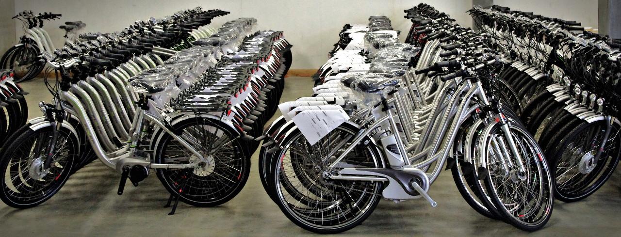 Flyer Werksbesichtigung Produktion fertige E-Bikes und Pedelecs