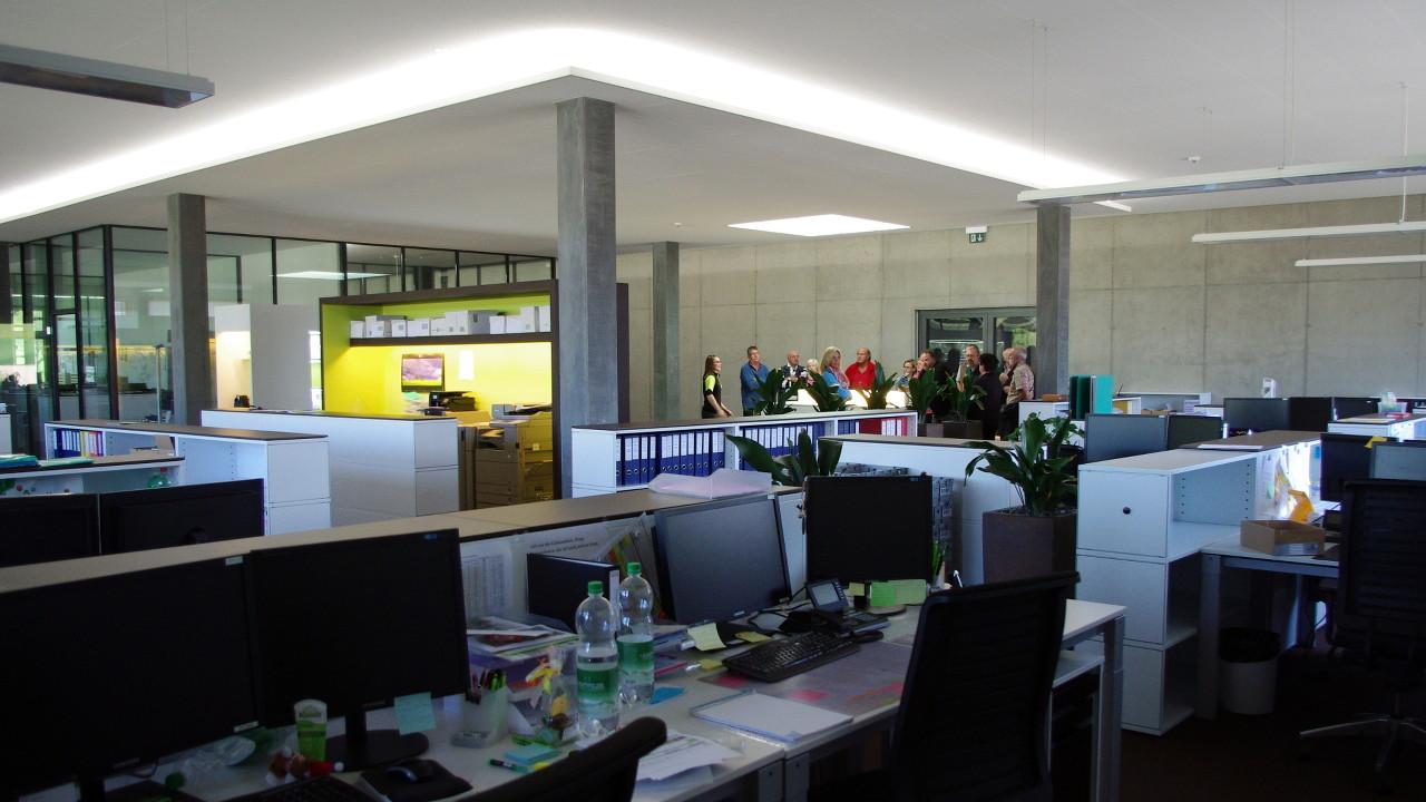Flyer Werksbesichtigung Büro